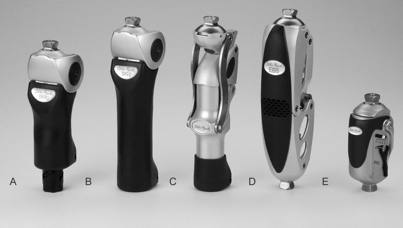 Abb. 10-13: SR90 (A) und SR92 Modular Bremskniegelenke (B): Schwungphasensteuerung mit mechanischem Vorbringer (SR90) oder progressiver Doppelkammer-Pneumatik (SR92). Der Bremsmechanismus schaltet bei Vorfußlast automatisch ab. Modular Kniegelenk SR106 (C
